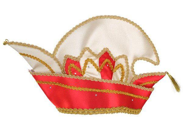Prins Carnaval steek muts rood met steentjes