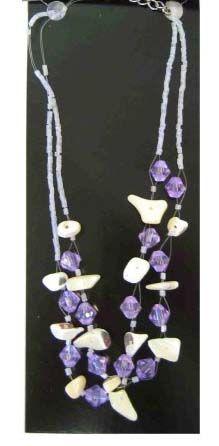 indianenketting met paarse en witte steentjes