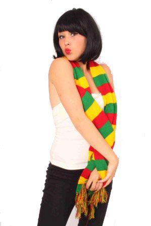 Carnavalssjaal rood geel groen gebreid
